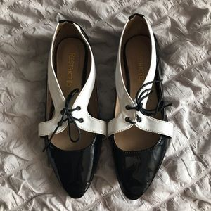 Black & White ballet flats 🥿 with lace up detail